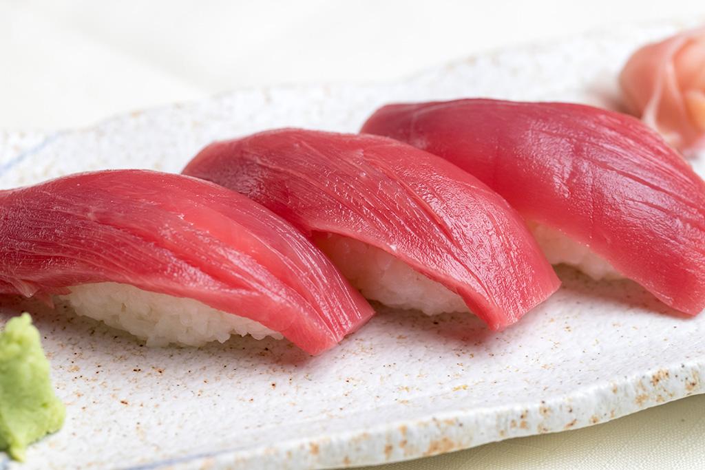 本マグロ握り寿司…480円